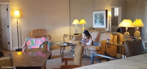 la_valencia_living_room
