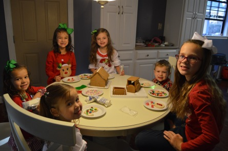 cousins_gingerbread_decorating