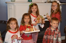 cousins_gingerbread_decorating2