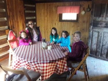 restaurant_in_cabin