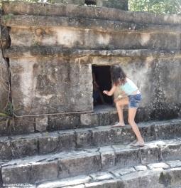 caitlyn_climbing